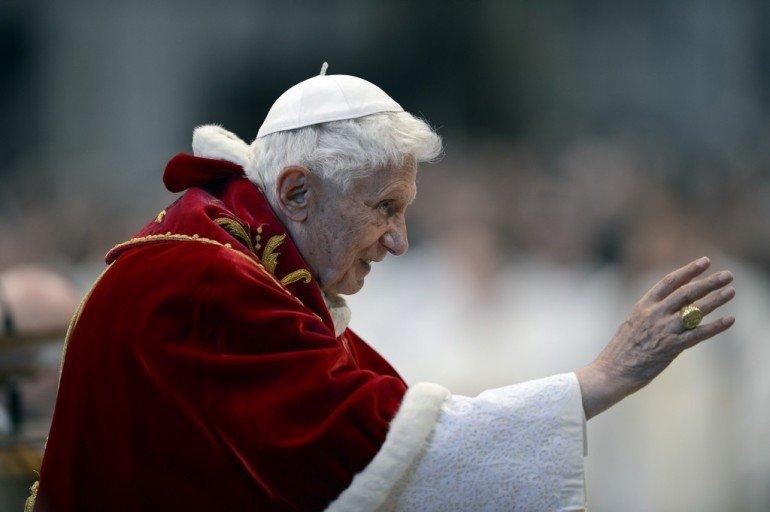 Papa Benedetto dans immagini sacre papa-ratzinger-si-dimette-322-770x512